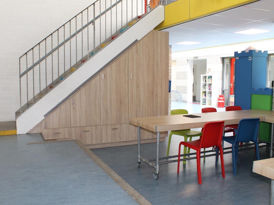 Kast Onder Trap Schoolmeubel Op Maat